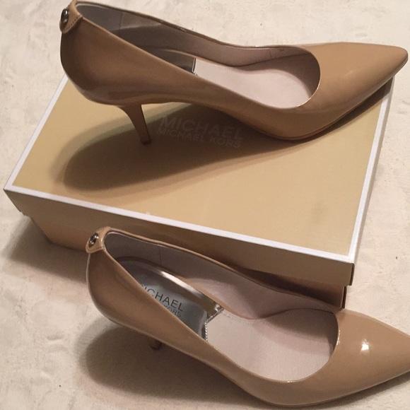 05bddd801 Michael Kors Shoes | Nib Nude Flex Mid Pump Size 9 | Poshmark